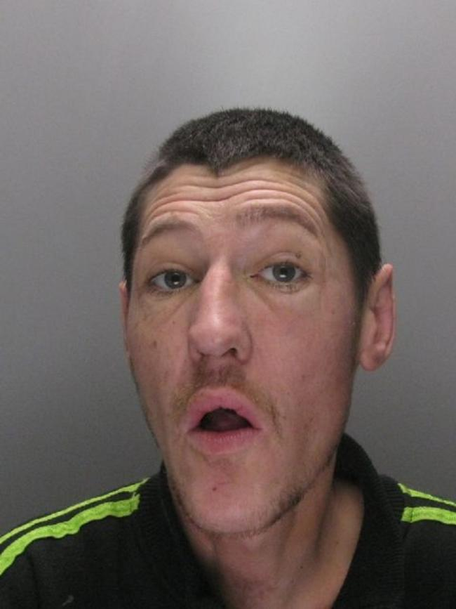 Craig Cunningham was jailed for 16 weeks after stealing a wreath whilst subject to a suspended prison sentence.