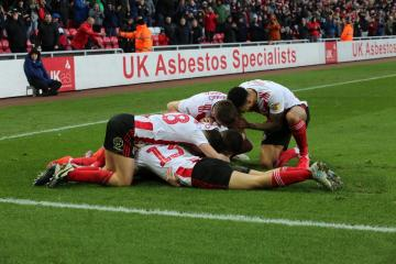 Sunderland midfielder issues a top two warning to Wycombe and Rotherham