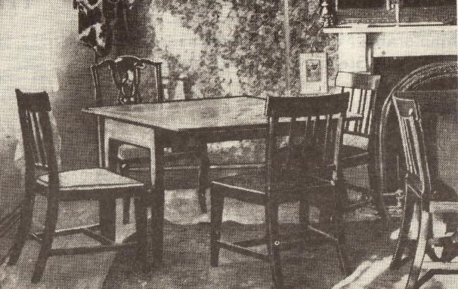 The tables and chairs around which the 1820 meeting took place in the George & Dragon – they were also used in 1920