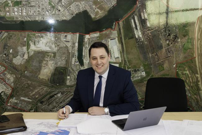Ben Houchen signing the SSI Redcar agreement