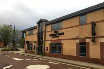 Victim suffered broken eye socket in town centre pub attack