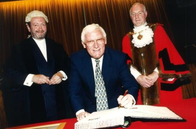 George Gill CBE (centre), receiving the honour of Freeman of the Borough of Gateshead