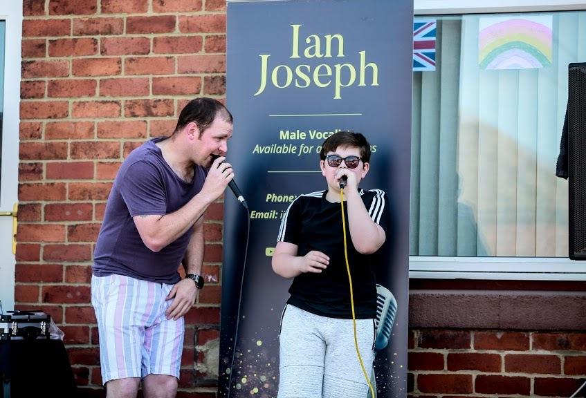 Singing Ian brightens neighbour evenings