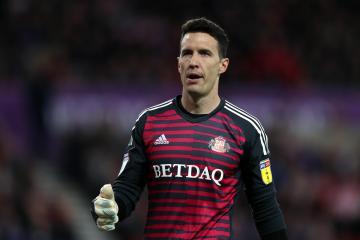 Sunderland's hopes of retaining Jon McLaughlin rise