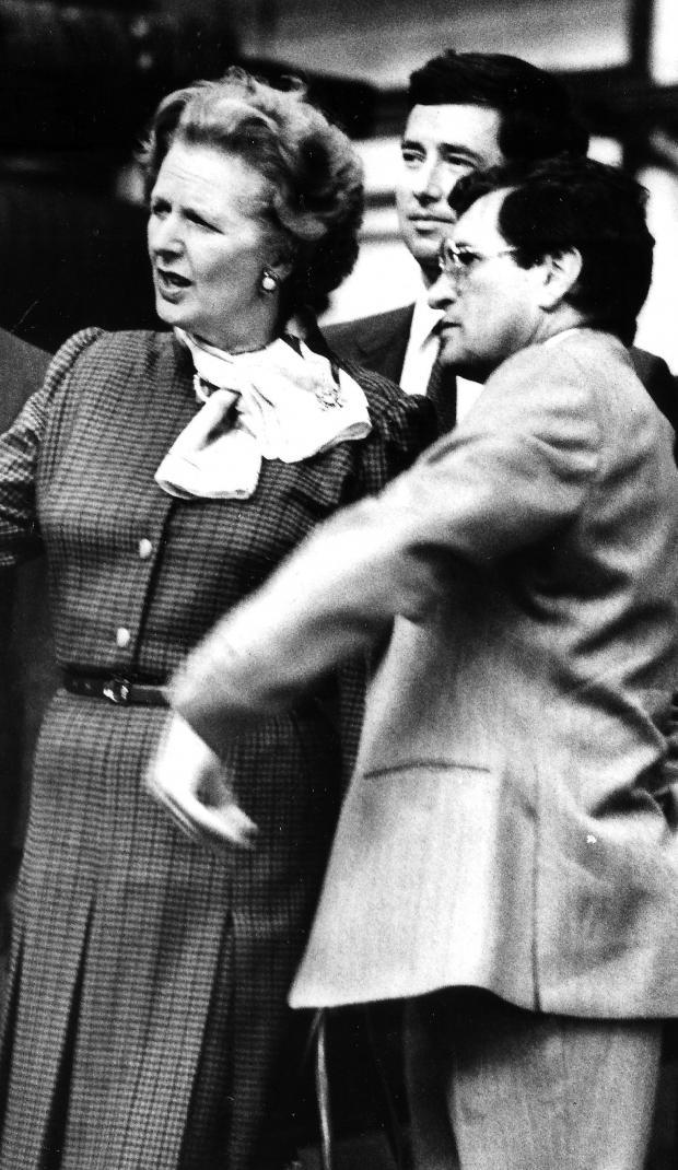 The Northern Echo: Margaret Thatcher visite les Darlington Rolling Mills avec Michael Fallon le 11 septembre 1985