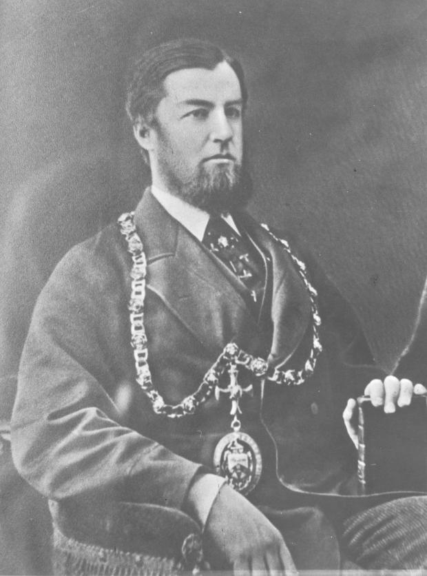 The Northern Echo: Theodore Fry, le maire de Darlington et le député libéral de la ville qui a lancé les laminoirs sur Rise Carr