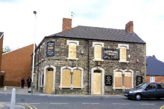 The Northern Echo: Boarded Up - Le pub Rise Carr à Darlington