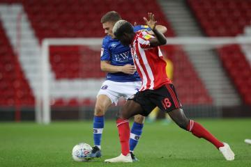 Sunderland forward Benji Kimpioka offered a return to Sweden