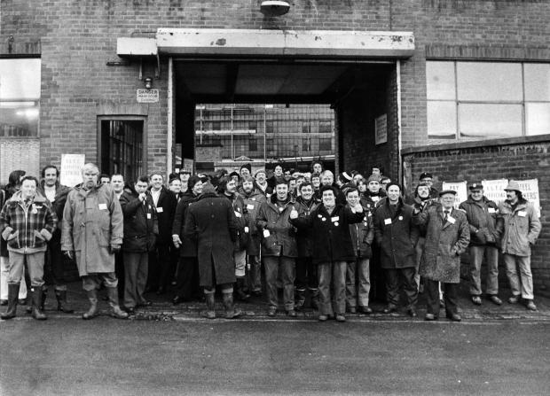 The Northern Echo: A picket line outside the mills