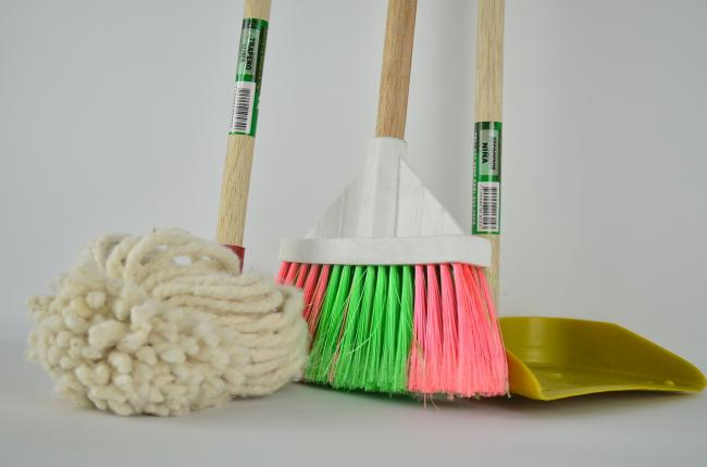 Cleaning supplies PICTURE via Pixabay
