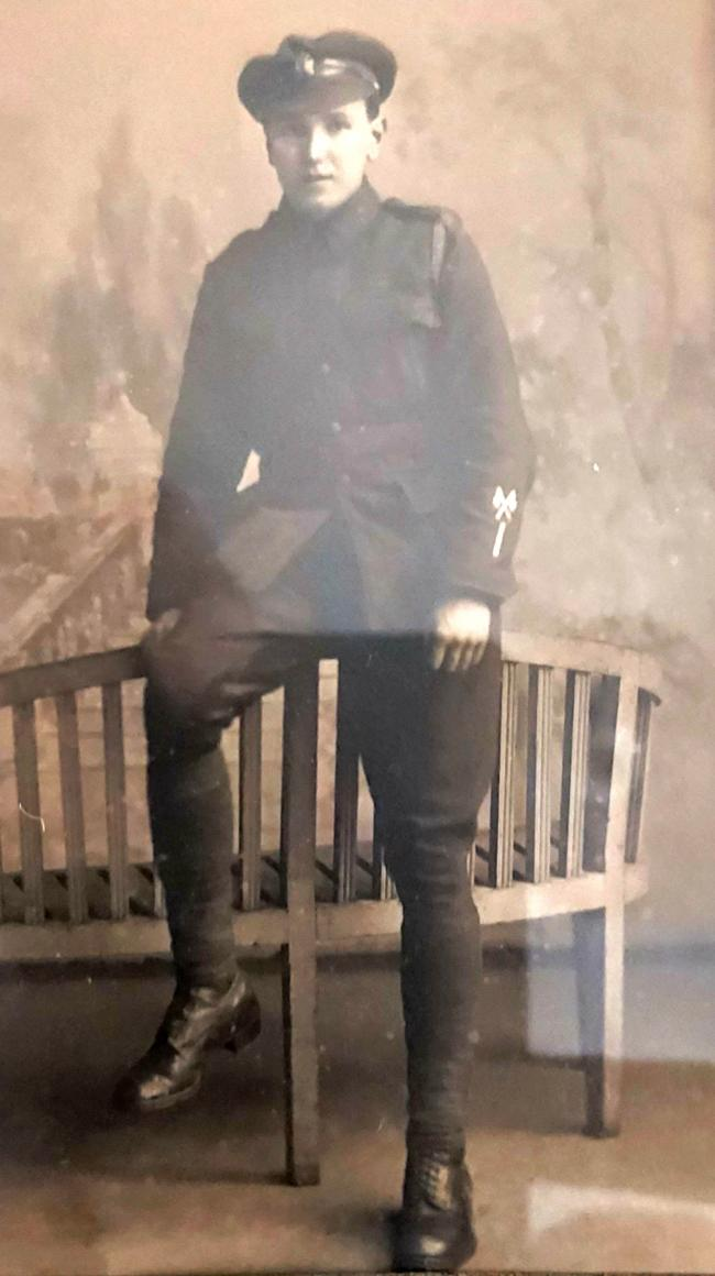 Signaller Tom Carter of the King's Royal Rifle Corps