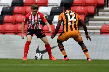 Sunderland's Denver Hume suffers new injury setback