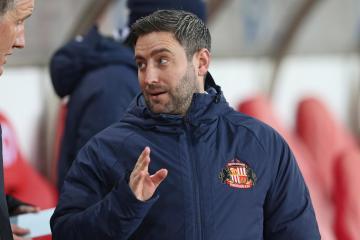 Lee Johnson still confident of signing Carl Winchester for Sunderland