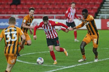 Lee Johnson to 'show his teeth' after Sunderland draw with Hull
