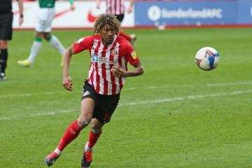 Sunderland defender Dion Sanderson struggling with back injury