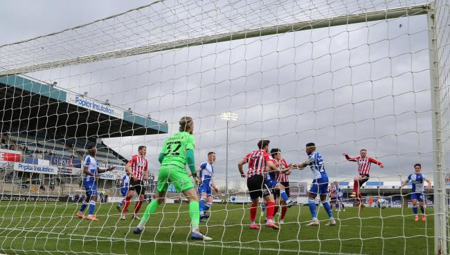 Aiden O'Brien scores Sunderland's winning goal at the Memorial Ground