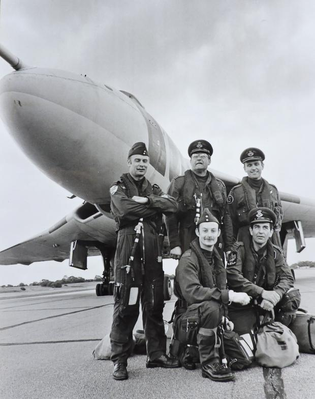 The Northern Echo: Amazing photograph of a Vulcan crew