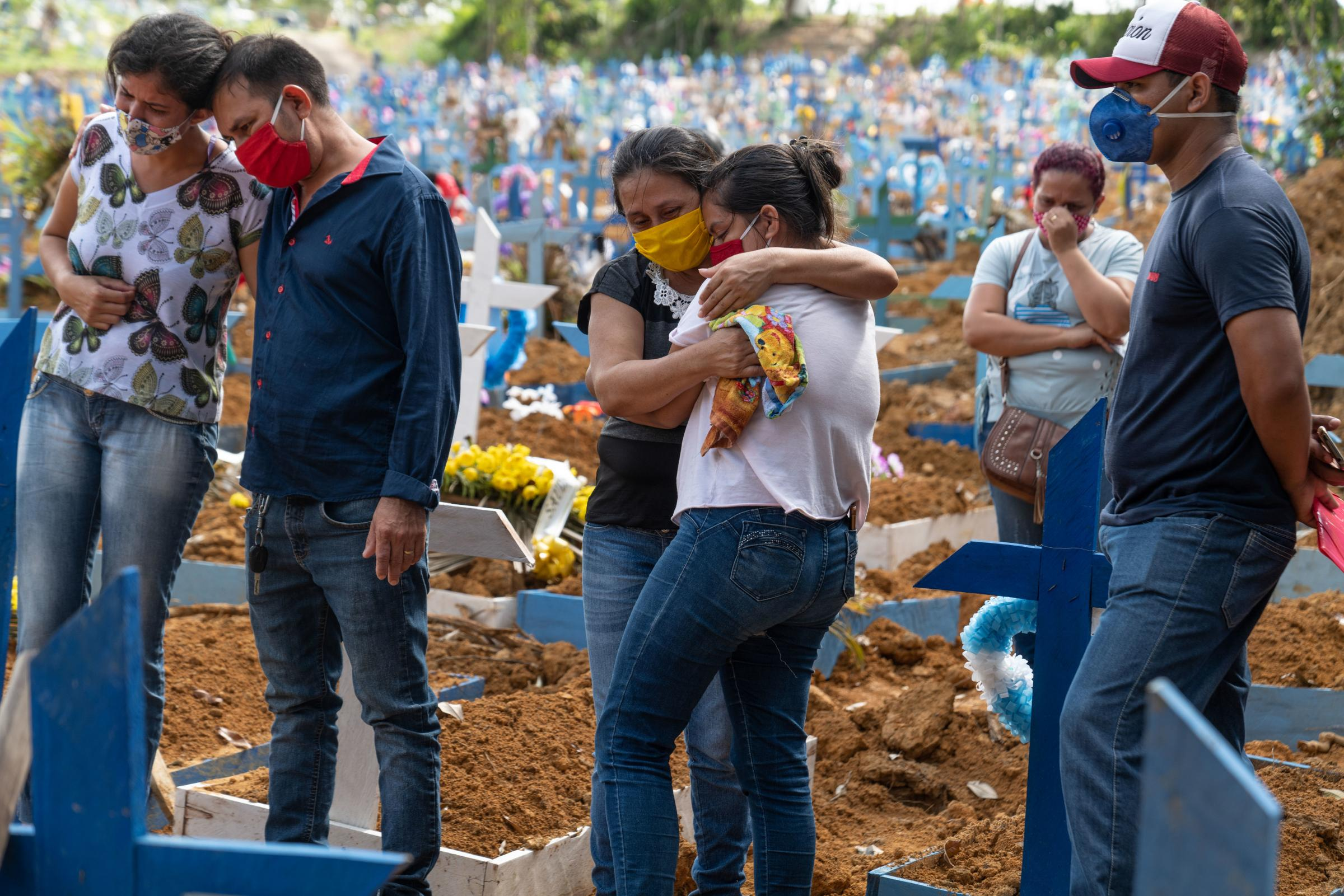 Pandemic 2020: Photojournalist Veronique de Viguerie documented mass burials in a cemetery during the pandemic in Manaus, Brazil