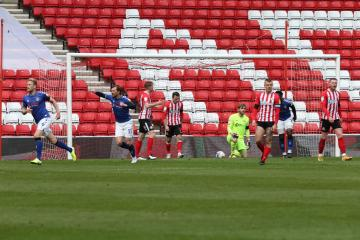 Sunderland's promotion hopes suffer blow with Charlton defeat