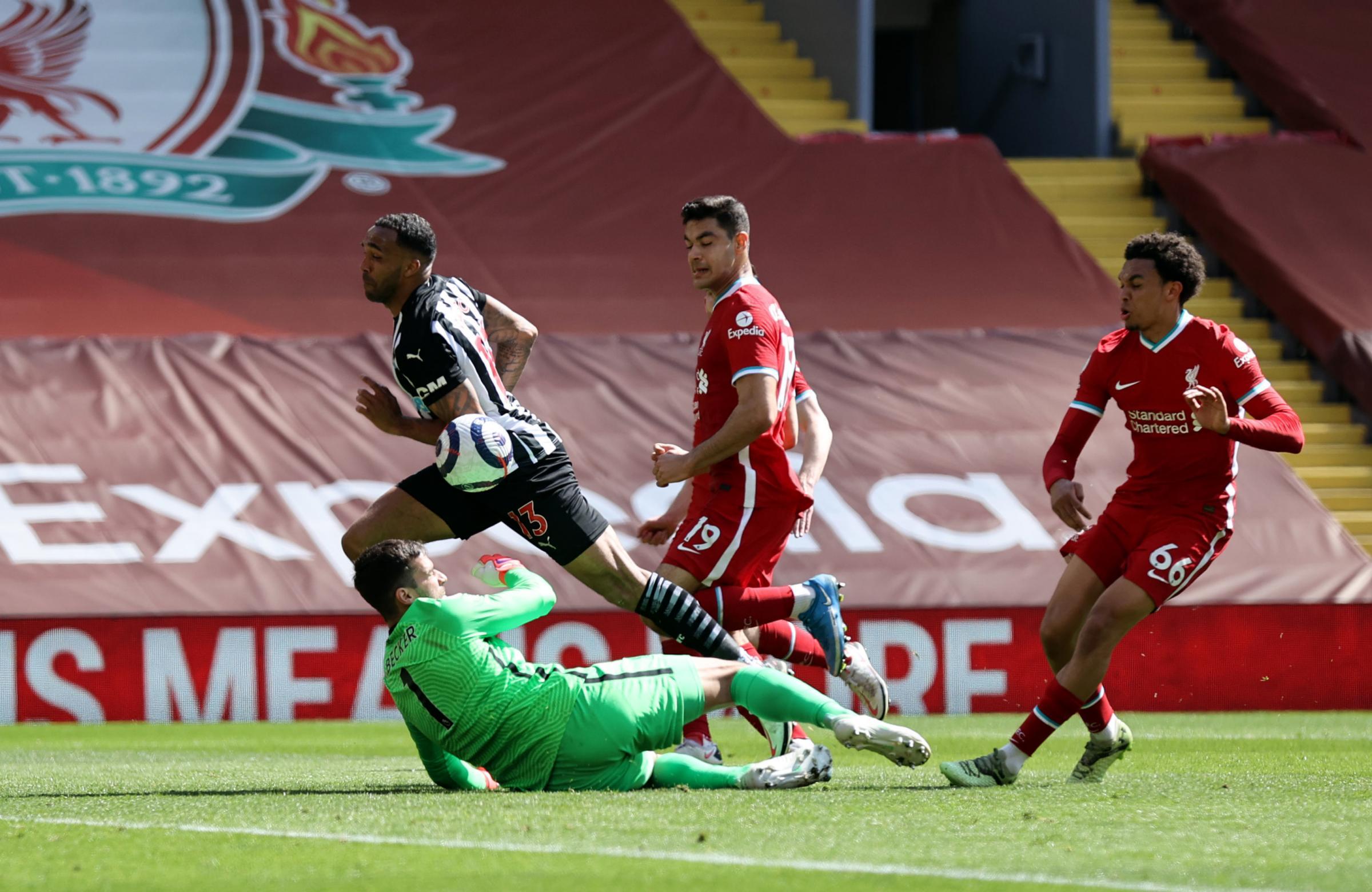 Callum Wilson back in Newcastle's starting side against Arsenal