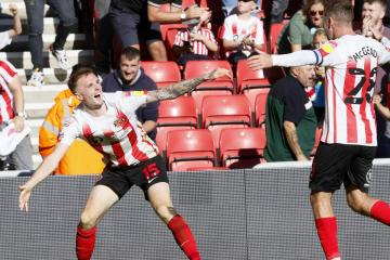Sunderland come out on top with 2-1 win over Accrington Stanley
