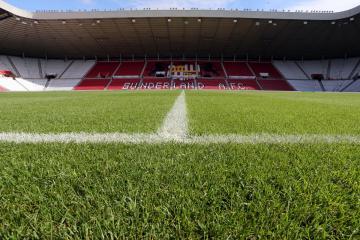 Sunderland manager explains Leon Dajaku's absence from Accrington win