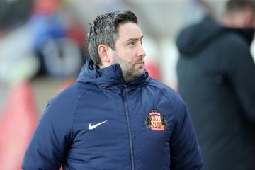 Sunderland make eight changes for Carabao Cup tie at Wigan