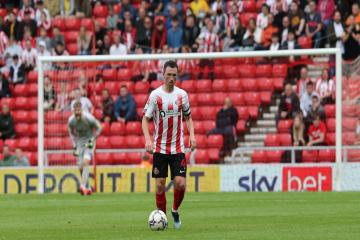 Sunderland boss Lee Johnson on Corry Evans frurstrating injury problems