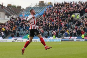 LIVE: Gillingham 1-2 Sunderland