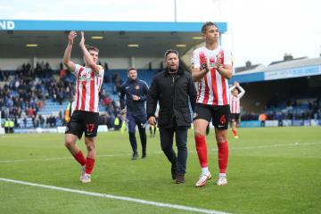 Sunderland manager Lee Johnson gives injury update on squad