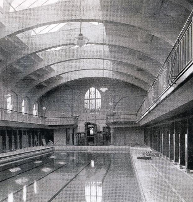 The Northern Echo: SMART POOL: Durham's Elvet baths as pictured in the opening brochure of 1932. Picture courtesy of GILESGATE ARCHIVE