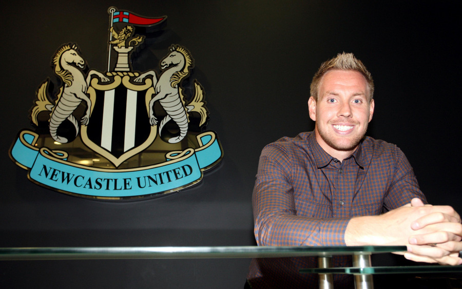 Rob Elliot moved to Newcastle from Chartlon Athletic in 2011
