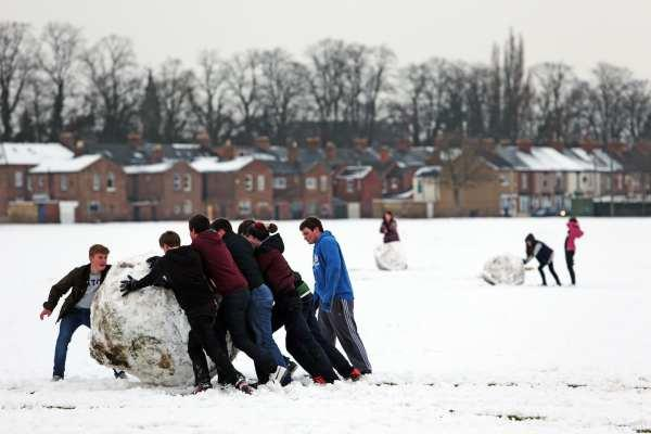 Fun in the snow in South Park, Darlington, over the weekend