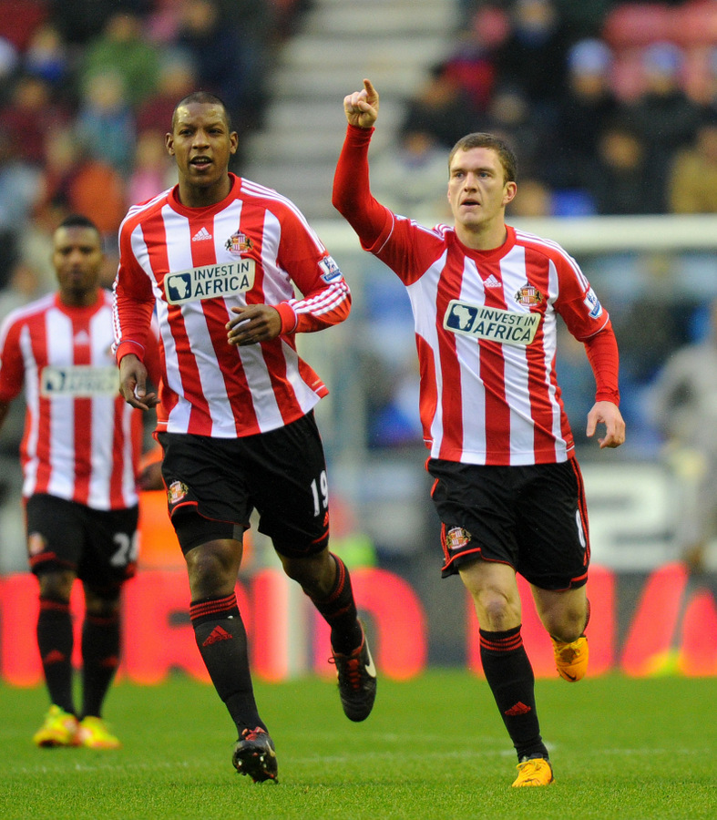 ON THE SPOT: Craig Gardner, right, celebrates after scoring a penalty for Sunderland