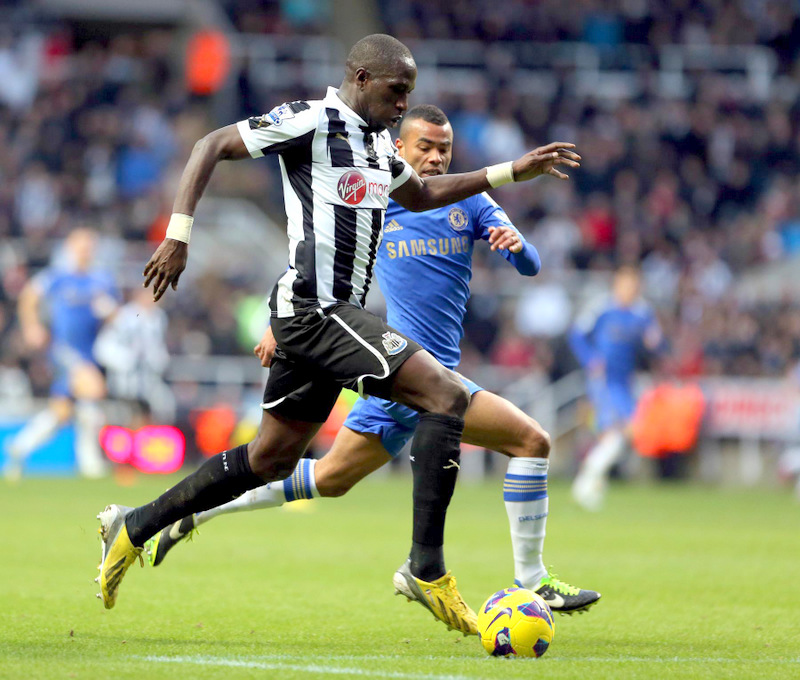 ON THE FRONT FOOT: Moussa Sissoko ploughs forward against Chelsea at the weekend