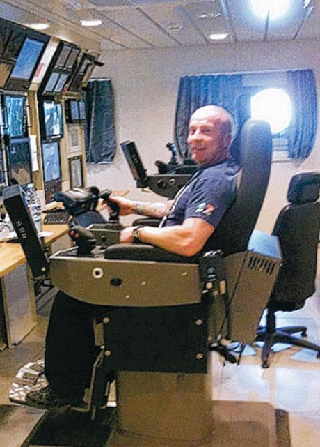 The Northern Echo: Neil Williamson working at sea