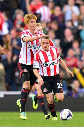 IN DEMAND: South Korean Ki Sung-Yeung, pictured left, with Emanuele Giaccherini, is on loan to the Black Cats from Swansea but Sunderland are keen to sign him on a permanent basis