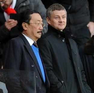 The Northern Echo: Ole Gunnar Solskjaer, right, claims that VIncent Tan, left, will not interfere at Cardiff
