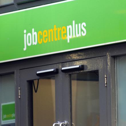 Unemployment falls by 125,000