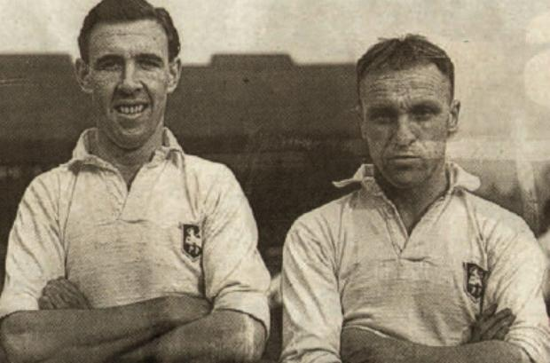 The Northern Echo: Dementia patient Bill Corbett, left, who played for Scotland, alongside Bill Shankly, right.
