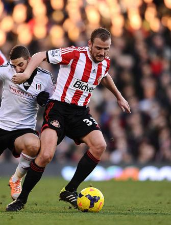 Poyet put the blocks on Cattermole exit despite Sunderland new-boy's derby debut