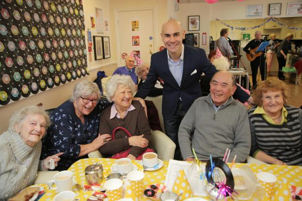 The Northern Echo: Darlington's world boxing champion Stuart Hall pays a visit to Age UK Darlington