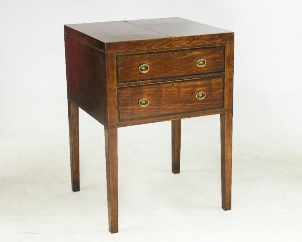 18th century dressing table to go under the hammer