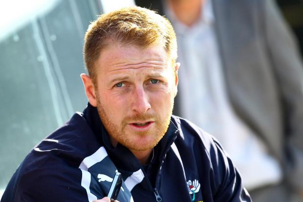 Gale turns down Trescothick run-chase request