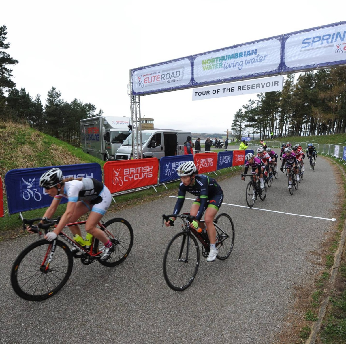 Women cyclists compete in the scenic Alexandra Tour of the Reservoi