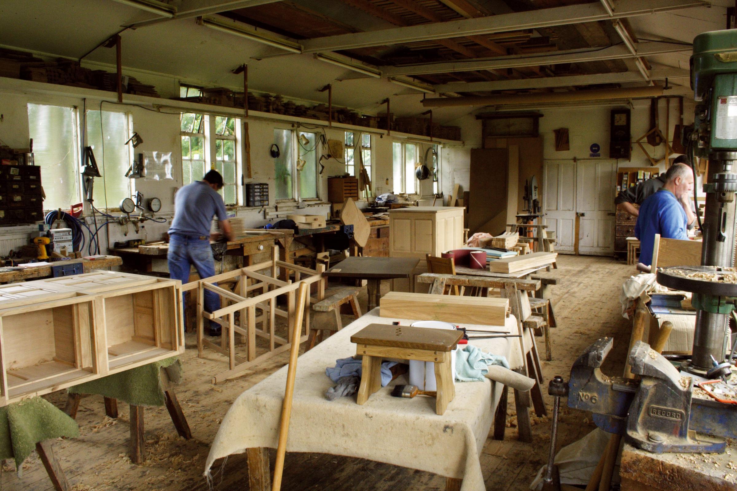 Delicieux Working Hard   Craftsmen At Beaver Furniture.