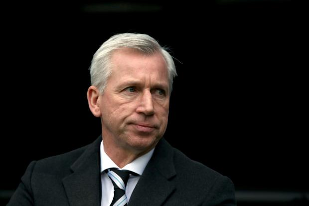 Pardew bruised by fans' walkout protest