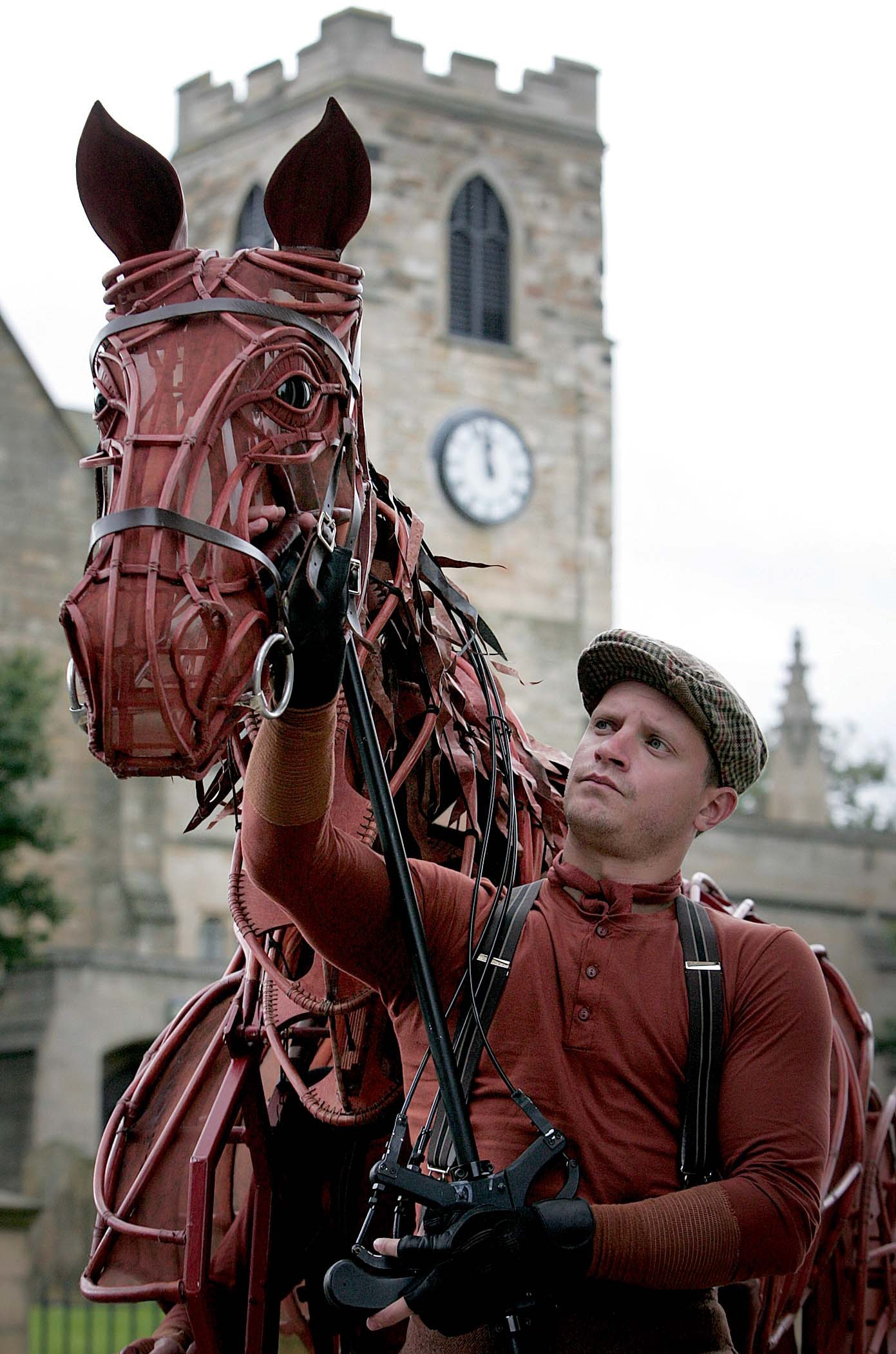 Apology and ticket offer follows War Horse disruption