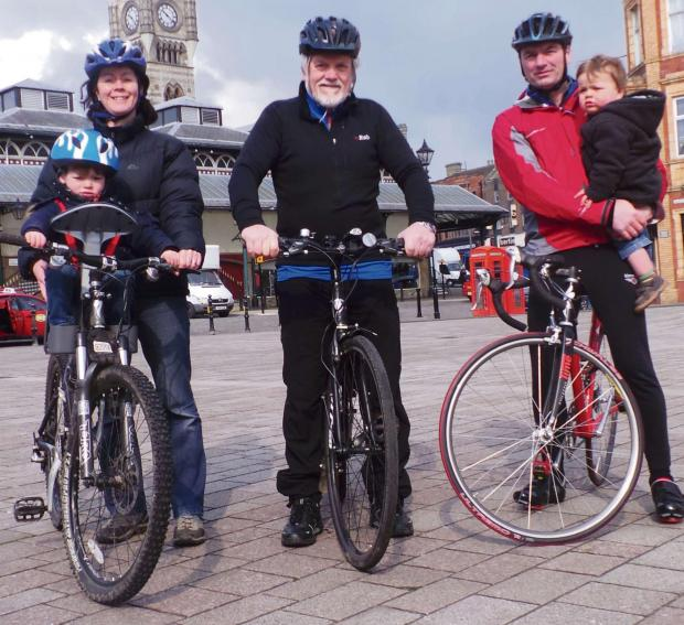 The Northern Echo: The Mayor of Darlington Gerald Lee (centre) and his family saddle up for charity