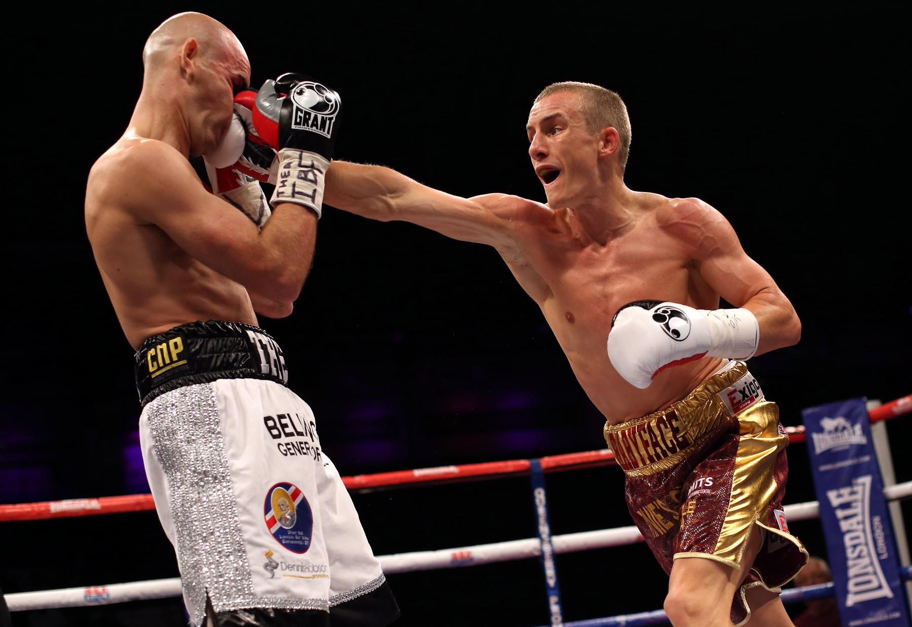 Darlington's Stuart Hall loses world boxing title